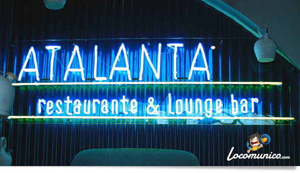 Neón del restaurante Atalanta