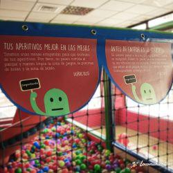 Diseño e impresión de vinilos de carteles de normas para Pulum, parque de bolas.